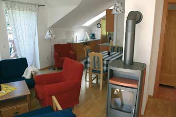 das obere Wohnzimmer mit Schwedenofen