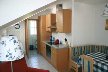 Esstisch und Küche im OG