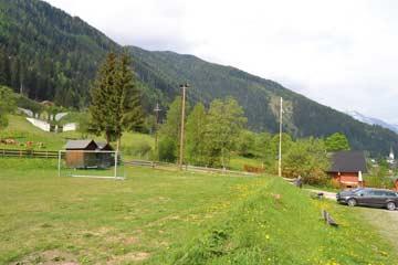Sportplatz bei der Hütte