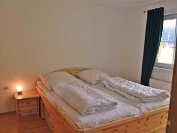 weiterer Blick in die Schlafzimmer, die Betten sind in allen 4 Zimmern gleich.