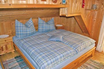 Erholung von einem schönen Skitag in der Salzburger Sportwelt (Schlafzimmer im OG mit Balkon)