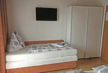 TV im Schlafzimmer 2