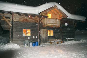 Neuschnee an der Berghütte Radstadt