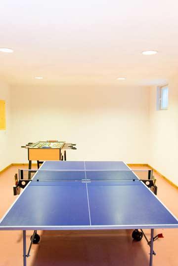 Tischtennis und Tischfußball