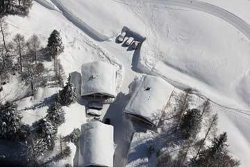 Skihütte Obertauern und Nachbarhütte ÖSSL/I/13A (links)