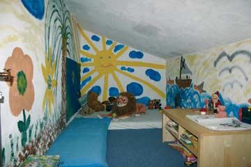 Kinderspielzimmer im DG