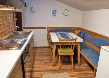 kleine Wohnküche im DG