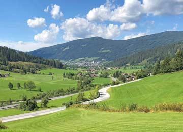 Aussicht vom Haus auf Radstadt im Sommer