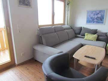Sofa im Wohnzimmer im OG