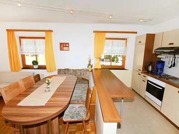 Ferienwohnung Pitztaler Gletscher: Wohnraum mit offener Küche