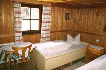 1. 4-Bett-Zimmer