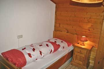 Blick in die Schlafzimmer: Einzelzimmer im OG