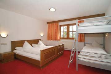 4-Bett-Zimmer im OG