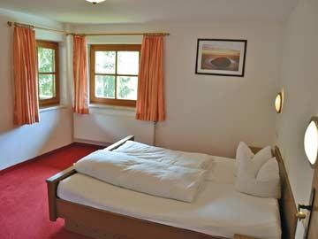 Schlafzimmer (Doppelbett) im OG