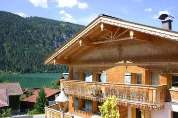 Hochwerttiges Ferienhaus für 10 bis 14 Personen am Haldensee