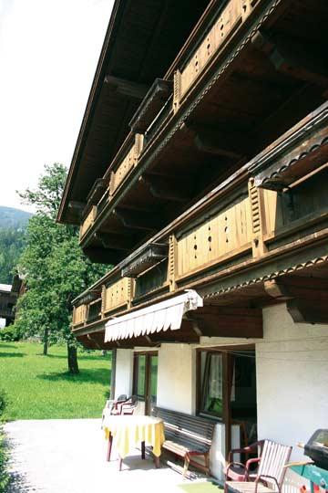 Ferienhaus Kaltenbach Zillertal - die Terrasse im Frühsommer
