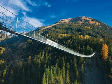 die berühmte Holzgauer Hängebrücke