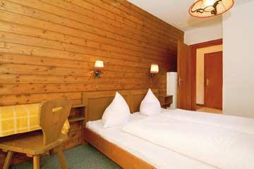 Schlafzimmer im Ferienhaus Lermoos