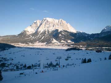 Blick zur Zugspitze im Winter in der Nähe des Hauses (Kundenfoto)