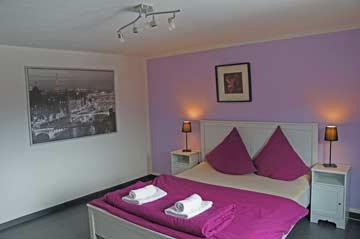EG, Schlafzimmer1 mit frz. Doppelbett