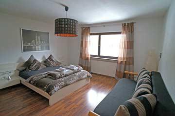 OG, Schlafzimmer 4 mit frz. Doppelbett