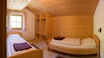 Das 2-Bett-Zimmer mit Einzelbetten