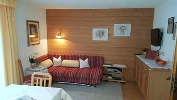 Sofa in der Wohnküche