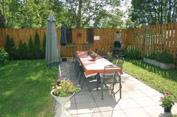 Garten / Terrasse im Sommer