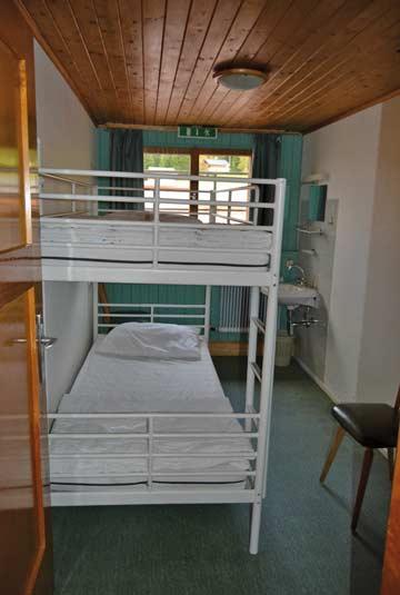 2-Bett-Zimmer mit fl. Wasser im DG
