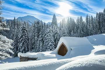 Saunahäuschen im Winter