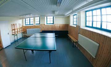 Party- und Tischtennisraum im Keller