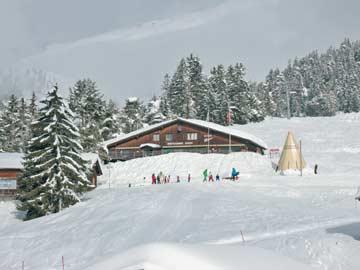 Ziel der Rodelpartie: das gemütliche Bergrestaurant unterhalb der Skihütte Flims
