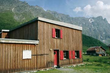 Skihütte Savognin - Perfekte Lage mitten im Skigebiet Savognin