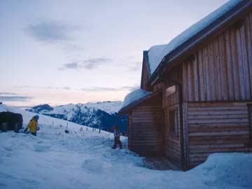 Eingangsbereich der Skihütte