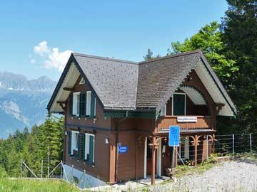 Hütte Flumserberg im Sommer