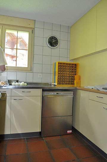 Gruppenküche mit Spülmaschine