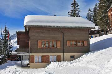 Skihütte Elm 150 m von der Bergstation entfernt