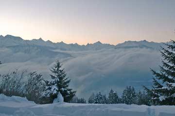 Nebel über dem Rhonetal: phantastischer Blick bis zum Matterhorn