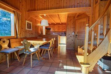 Chalet Les Collons - Esstisch und offene Küche