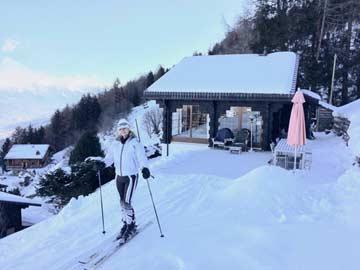 Ferienhaus Skipiste Nendaz: vom Frühstückstisch geht es direkt auf die Ski und ab auf die Piste