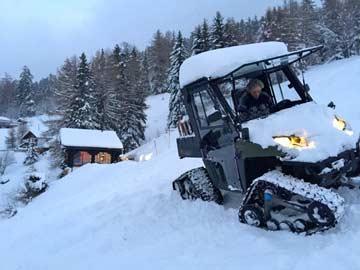 Gepäcktransport im Winter bis zum Chalet