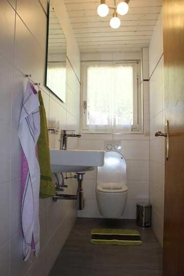 Frisch renovierte Badezimmer