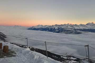 Skiurlaub über dem Rhonetalnebel