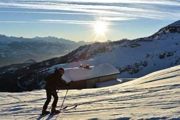 Beste Erreichbarkeit mit den Skiern durch die perfekte Pistenlage